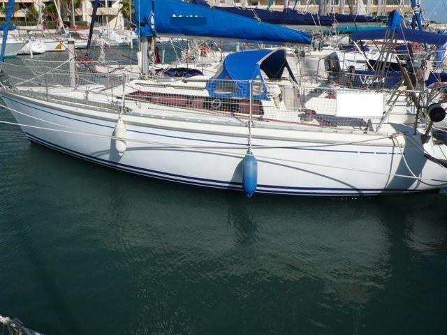 attalia 32 bateau voilier jeanneau bateau occasion philibert plaisance. Black Bedroom Furniture Sets. Home Design Ideas