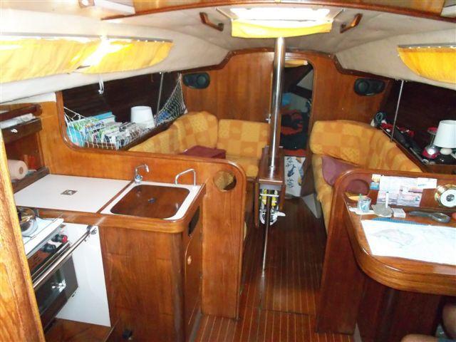first 32 bateau voilier beneteau bateau occasion philibert plaisance. Black Bedroom Furniture Sets. Home Design Ideas
