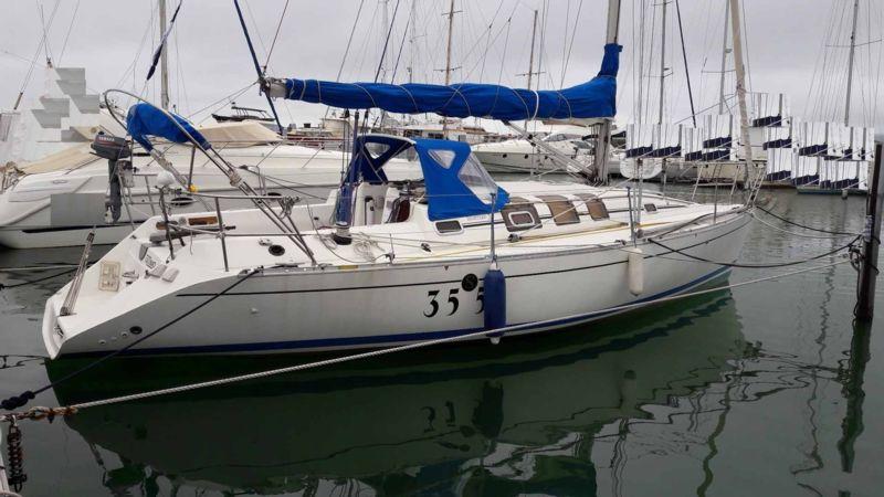 first 35 s 5 bateau voilier beneteau bateau occasion philibert plaisance. Black Bedroom Furniture Sets. Home Design Ideas