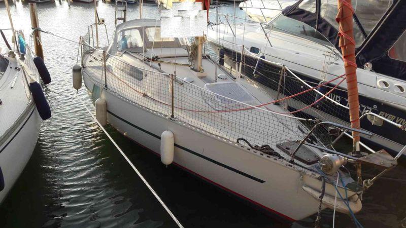 first 27 bateau voilier beneteau bateau occasion philibert plaisance. Black Bedroom Furniture Sets. Home Design Ideas