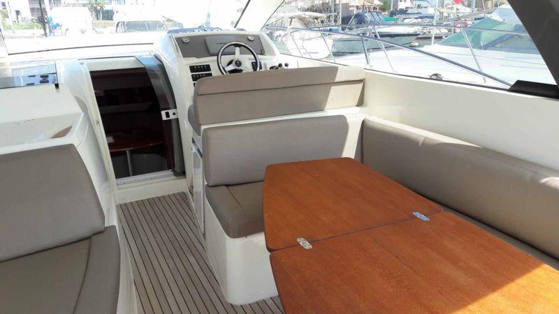 leader 9 bateau moteur jeanneau bateau occasion philibert plaisance. Black Bedroom Furniture Sets. Home Design Ideas