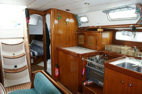 oceanis 461 bateau voilier beneteau bateau occasion philibert plaisance. Black Bedroom Furniture Sets. Home Design Ideas
